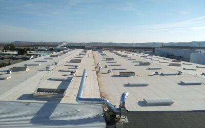 COOPER STANDARD. Instalación de extractores en cubierta.